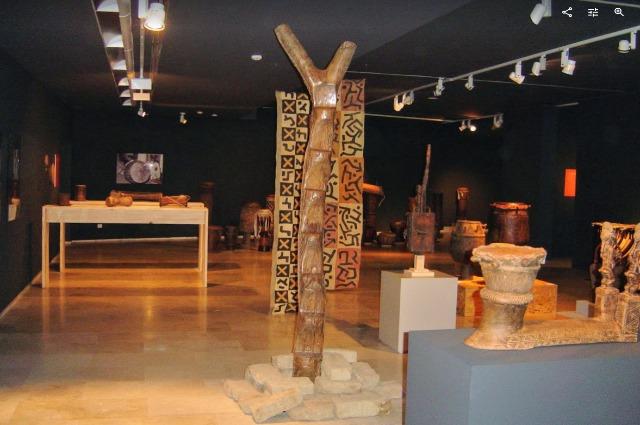 africa la accion de los sentidos zamora 2009 (1)